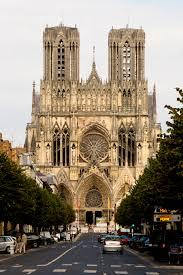 Nous vous accompagnons dans tous vos projets,l'immobilier à Reims, l'investissement locatif à Reims, contactez nous: 3hconseils@orange.fr & 03.26.24.37.40.